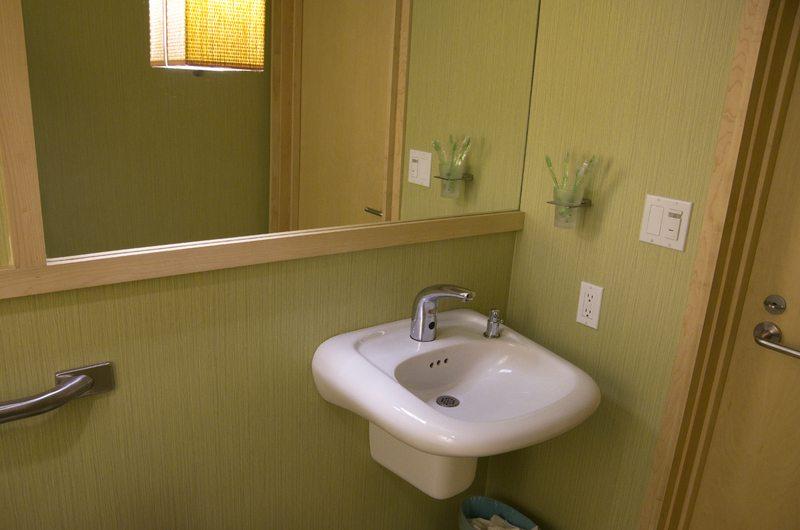 Mobile office bathroom sink